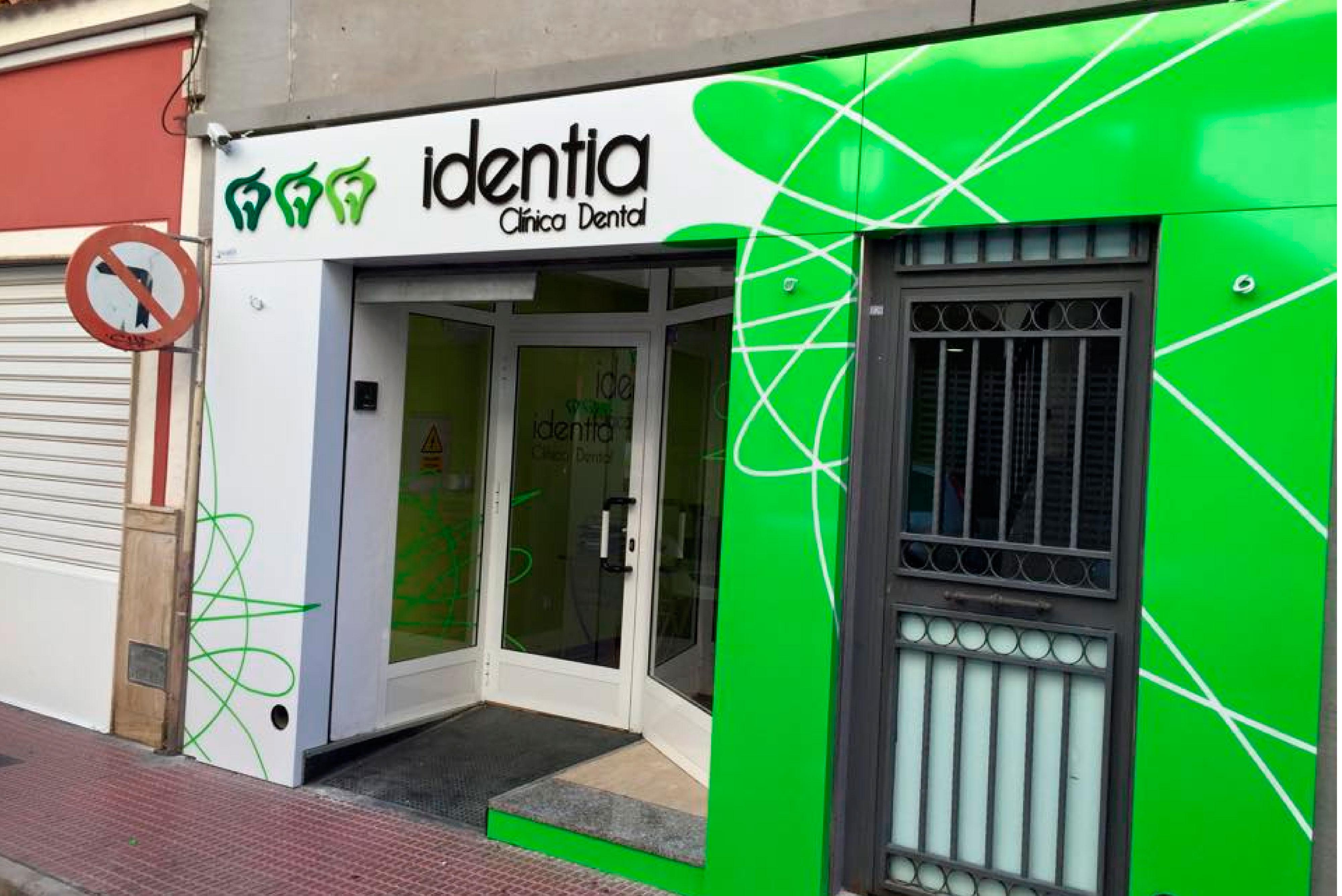 Clínica Dental Identia - arqdeco.es